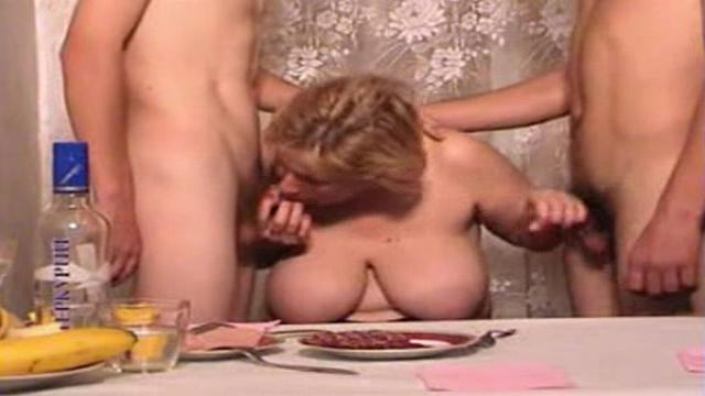 porno-video-onlayn-sin-trahnul