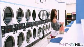 Presley Dawson (Laundromat Seduction) (2013)