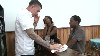 Hot Black Chicks Love Huge White Dicks 540р 3