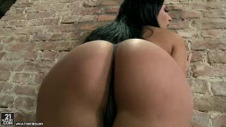 Anissa Kate (Anal and dp with a queen 8572 07.03.15) 18+