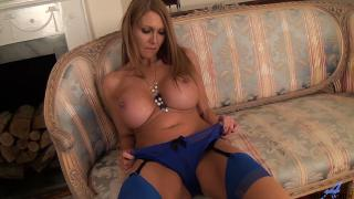 Leigh Darby Toys Make Her Squirt
