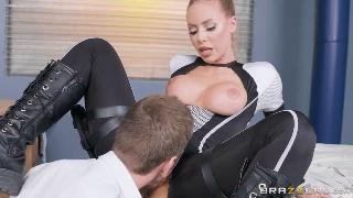 Nicole Aniston (Girth In Her Shell A XXX Parody)